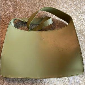 Green leather shoulder bag.